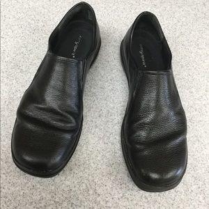 Easy Spirit Black Leather Slip-ons